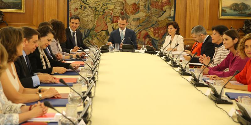 Reunión del Consejo de Seguridad Nacional, presidida por el rey Felipe VI, en la que se acordó la elaboración de una Estrategia Nacional de Ciberseguridad.