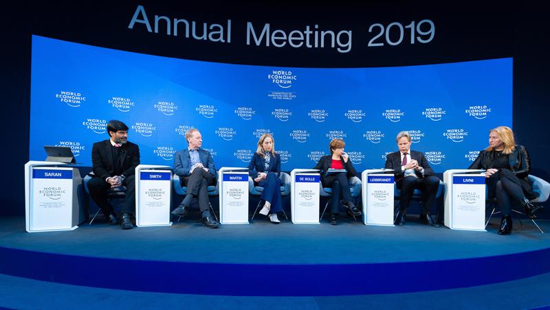 Panel de expertos sobre ciberseguridad y cooperación celebrado en el encuentro anual del Foro Económico Mundial 2019.
