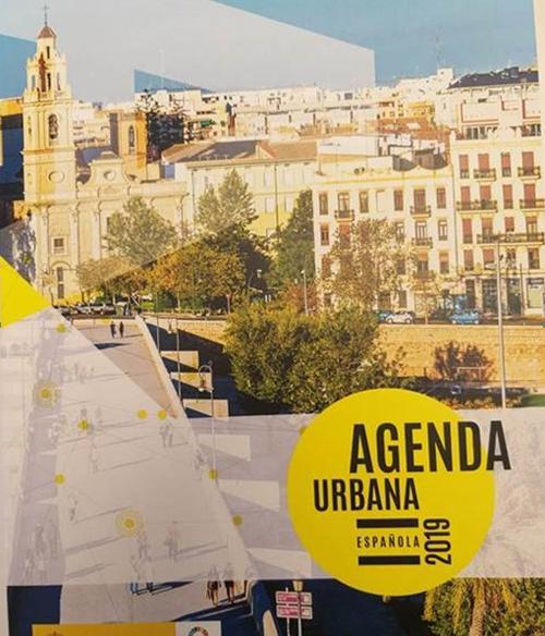 Constituye un compromiso del Gobierno para lograr un desarrollo urbano equitativo, justo y sostenible que tenga en cuenta a todos los pueblos y ciudades de España.