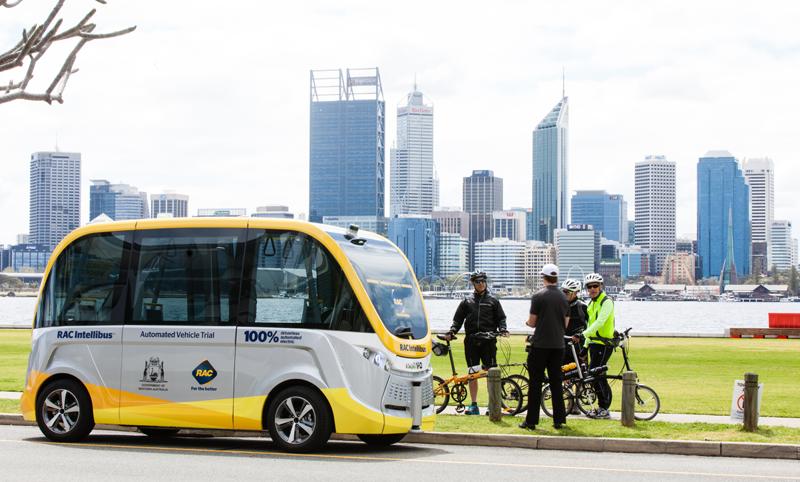 Navya ha cerrado acuerdos con operadoras y empresas especialistas en transporte para poner en circulación sus lanzaderas autónomas. Es el caso de Australia mediante RAC AW.