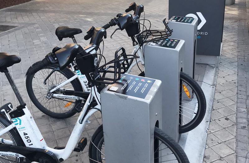 La energética suiza Axpo suministrará energía renovable a los puntos de carga de las bicicletas públicas de BiciMAD a partir del 1 de abril.