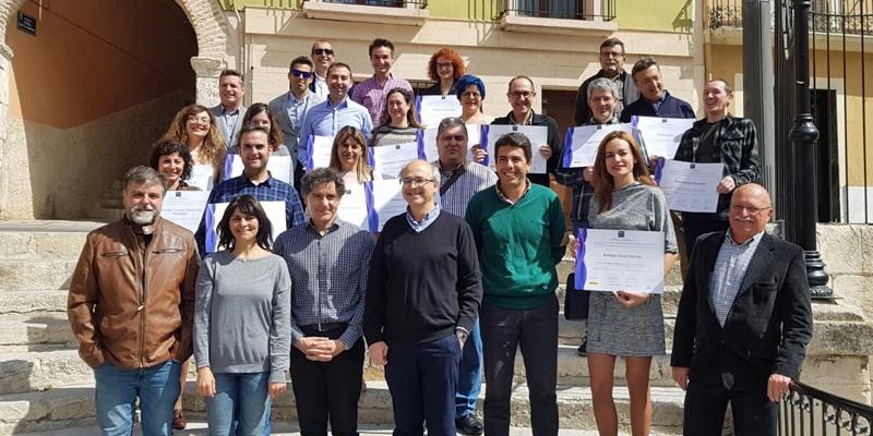 """En el acto también se entregaron los distintivos """"Compromiso Calidad Turística"""" a 18 empresas y servicios públicos de la ciudad de Villena que participan en el proyecto Sinted."""
