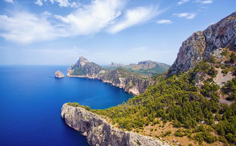 Los Objetivos de Desarrollo Sostenible de Naciones Unidas guiarán la reformulación estratégica del desarrollo turístico por parte de la Fundación Impulsa Balears, según el acuerdo alcanzado con la OMT.