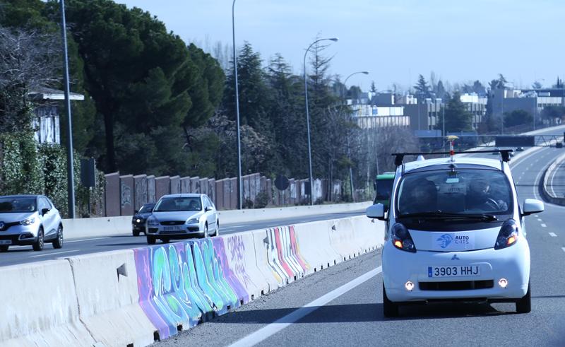 Uno de los vehículos autónomos utilizados en el piloto que ha llevado a cabo el proyecto europeo Autocits en la A-6, en Madrid, y que ha mostrado sus resultados positivos con los sistemas cooperativos C-ITS.