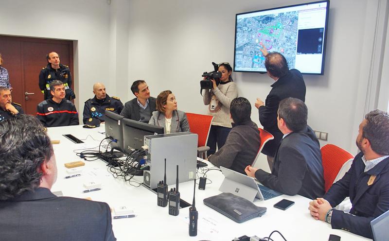 Presentación del nuevo sistemas de comunicaciones para Policía, Bomberos y Protección Civil de Logroño, un integrador digital facilita información y datos en tiempo real sobre la posible incidencia.