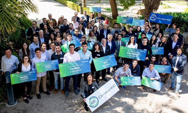 Foto de grupo de los creadores de los proyectos seleccionados en la edición 2019 del programa EIT Climate-KIC Spain.