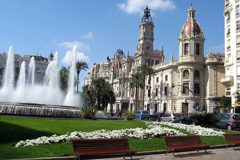 Los vecinos de Valencia, el sector empresarial, la comunidad educativa y otras administraciones trabajarán a través de procesos de participación ciudadana en la definición de los proyectos de innovación hasta 2030. Foto: Demiannnn, Wikipedia.