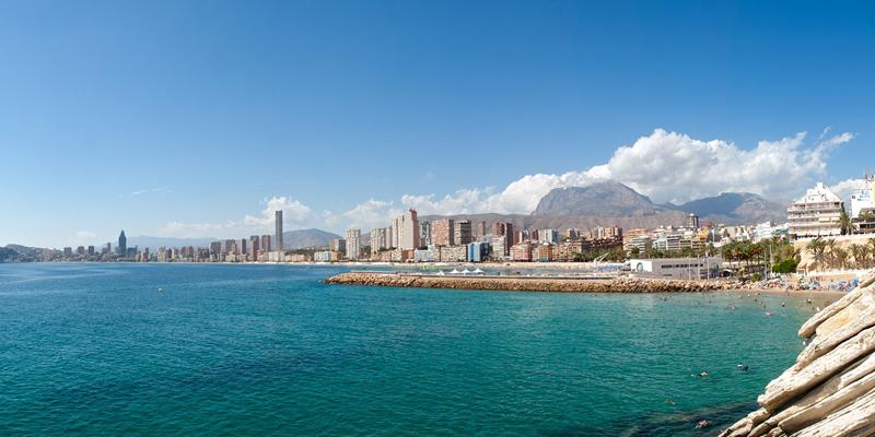 Benidorm es una de las ciudades que forman parte de la Red de Destinos Turísticos Inteligentes de la Comunidad Valenciana, a la que pueden incorporarse empresas tecnológicas para hacer pruebas piloto de sus soluciones.