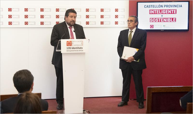 El presidente de la Diputación, Javier Moliner, y el director de Iberdrola Distribución de la Comunidad Valenciana, Bonifacio Álvarez, dieron a conocer el despliegue de la red eléctrica inteligente de Iberdrola.