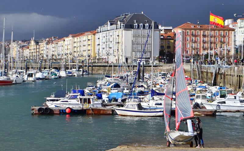 Puerto deportivo de la ciudad de Santander.