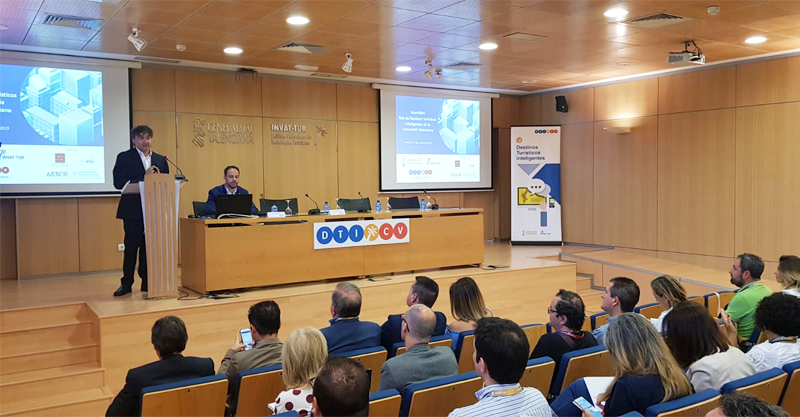 Inauguración de la asamblea de la Red de Destinos Turísticos Inteligentes de la Comunidad Valenciana, donde se ha aprobado su reglamento, su funcionamiento y se han formado los grupos de trabajo.