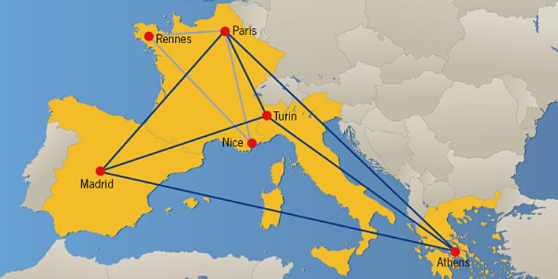 """Mapa de Europa con los países que forman parte del proyecto unidos por líneas que forman una red. Segittur forma parte de este proyecto europeo que quiere desarrollar una plataforma de validación de casos de uso 5G en Europa, con socios de Grecia, Francia e Italia. Imagen: Proyecto """"5G-EVE""""."""