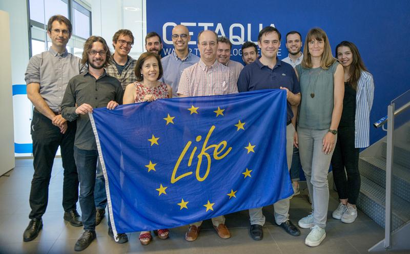 Socios del proyecto en la sede de Cetaqua Barcelona en el acto final después de tres años y medio de trabajo en los que han desarrollado un sistema de control avanzado para evitar vertidos de aguas contaminadas en ríos y mares en época de lluvia.
