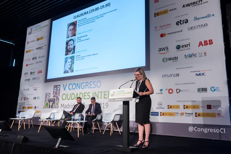 La directora del Congreso, Inés Leal, emplazó a los congresistas a una próxima edición del Congreso Ciudades Inteligentes.
