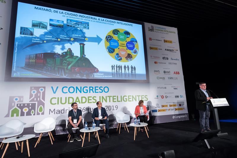 """El gerente del Ayuntamiento de Mataró, Antonio Merino, que expuso el proyecto """"Mataró, locomotora con destino Ciudad Inteligente""""."""
