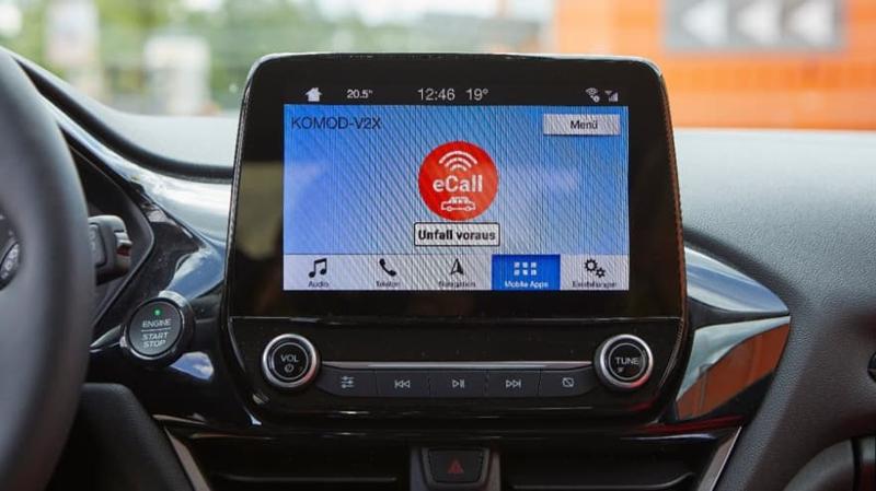 Parking Space Guidance, tecnología de vehículos conectados que informa a los conductores sobre el número de plazas de aparcamiento disponibles en los parkings cercanos y cómo llegar a ellas.