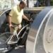 Santander prueba un parking para bicis con videovigilancia y puntos de carga alimentados de energía solar y eólica