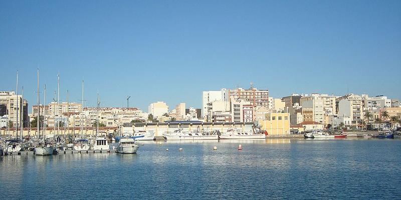 En la imagen, el puerto de Vinaroz (Castellón). Foto: Juan Emilio Prades Bel, Wikimedia Commons.
