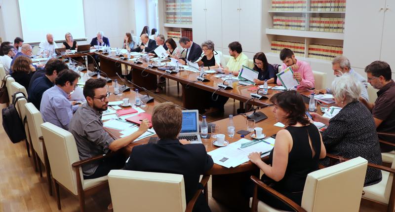 La Directora del Congreso, Inés Leal, y el Subdirector General de Arquitectura y Edificación del Ministerio de Fomento, Luis Vega, presidieron la segunda reunión del Comité Técnico.