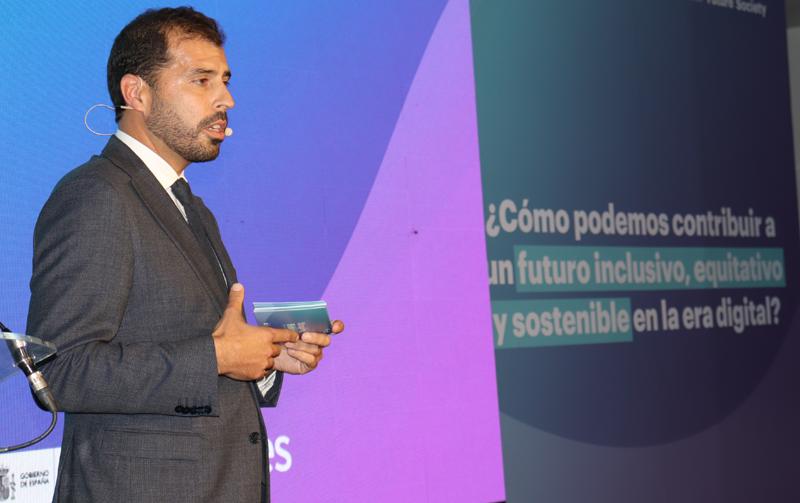 Esteban Redolfi, Digital Future Society, anunció la celebración de una cumbre mundial sobre gobernanza digital en España el próximo año.