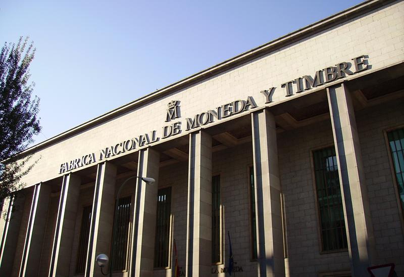 Fachada de la Fábrica Nacional de Moneda y Timbre - Real Casa de la Moneda. Foto: Ricardo Rodríguez, Wikimedia Commons