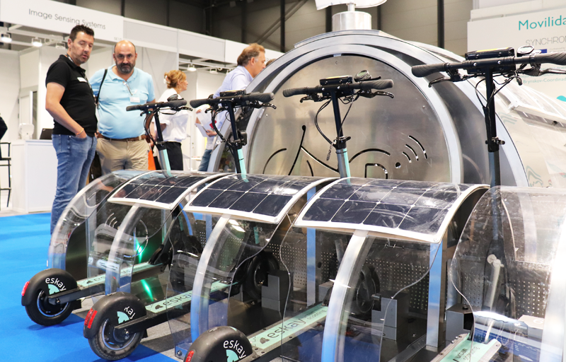 Soluciones de energías renovables y tecnologías para parkings inteligentes de bicicletas y patinetes.