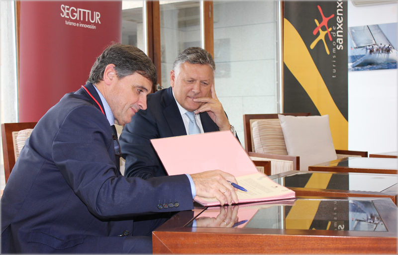 Firma del convenio entre Segittur y el Ayuntamiento de Sanxenxo