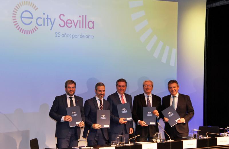 Representantes de la Junta de Andalucía, el Ayuntamiento de Sevilla, PCT Cartuja y Endesa