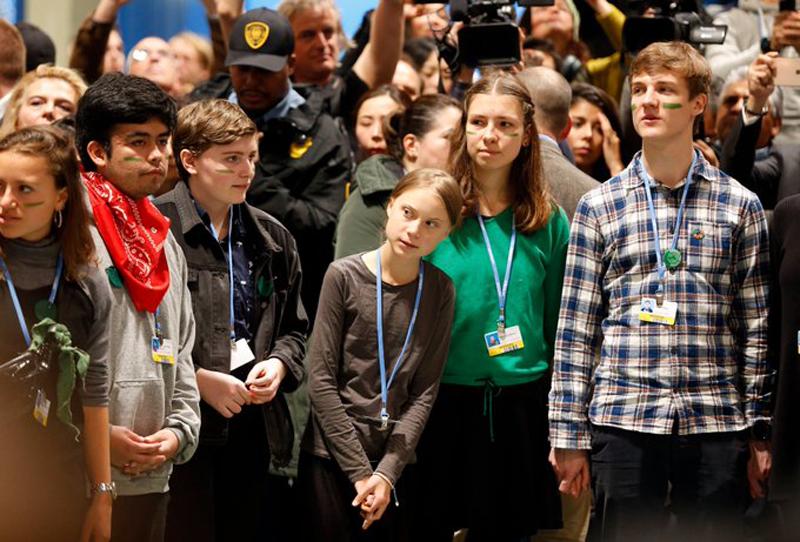 Greta Thunberg y otros jóvenes en la Cumbre del Clima Chile-Madrid