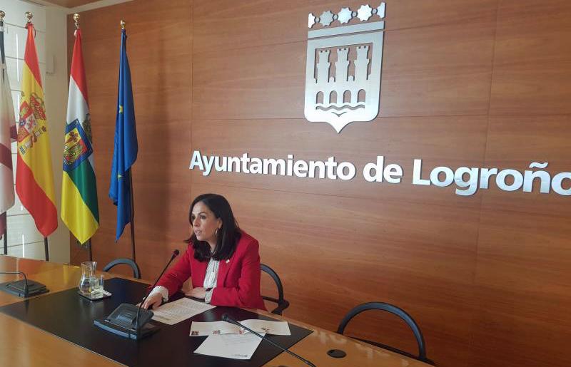 La concejala Ayuntamiento de Logroño, Esmeralda Campos, presenta Diálogos RECI