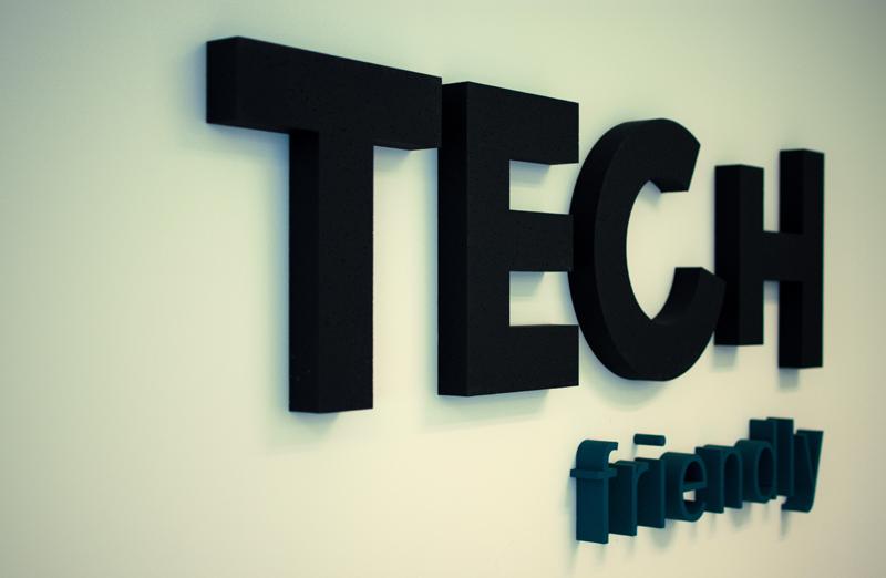 logo TECH friendly