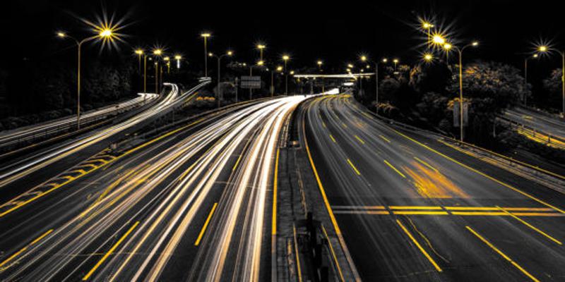 carga eléctrica inalámbrica en carretera