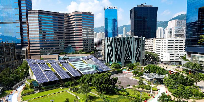 El urbanismo sostenible diseña y planifica las ciudades siguiendo principios ecológicos.