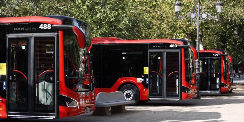 Granada pone en marcha una app para reservar y pagar desde el móvil los servicios de movilidad urbana