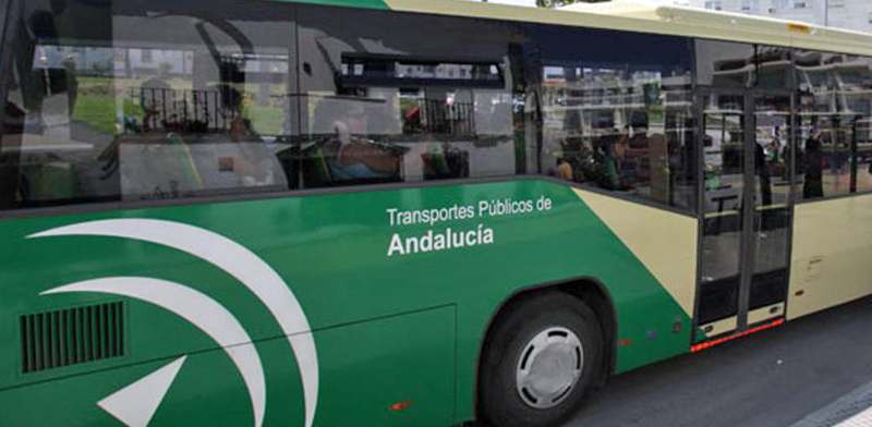 autobús de transporte público de Andalucía