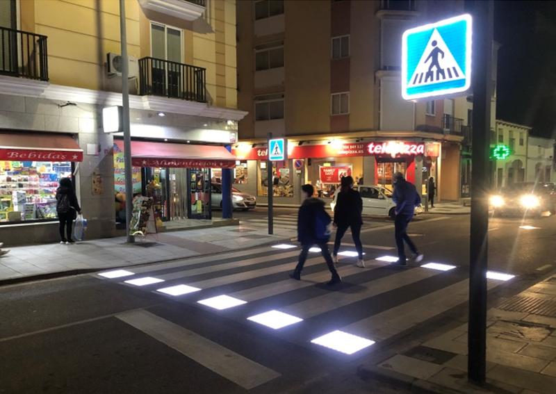 Figura 1. Paso de peatones inteligente desplegado.