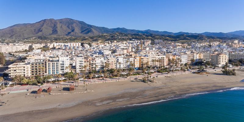 Estepona, en Málaga, instalará un sistema de cámaras inteligentes para controlar el tráfico urbano