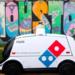Servicio de entrega de pizza a domicilio con un vehículo autónomo en Houston