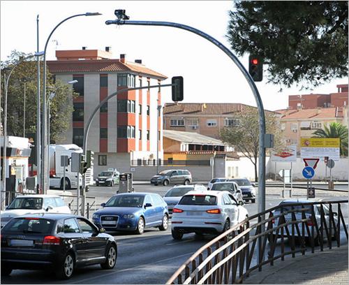 sistema basado en visión artificial de Lector Vision para detectar infracciones en semáforos