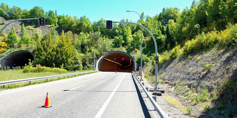El túnel de Cereixal en la A-6 incorpora cobertura 5G y sensores para avanzar hacia una carretera inteligente