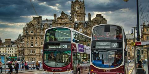 El plan de movilidad de Edimburgo 2021-2030 busca crear un sistema de transporte más sostenible, seguro y efectivo