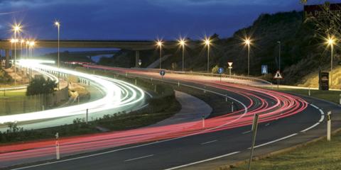 La plataforma DGT 3.0 permitirá compartir información del tráfico en tiempo real para una movilidad más inteligente y segura