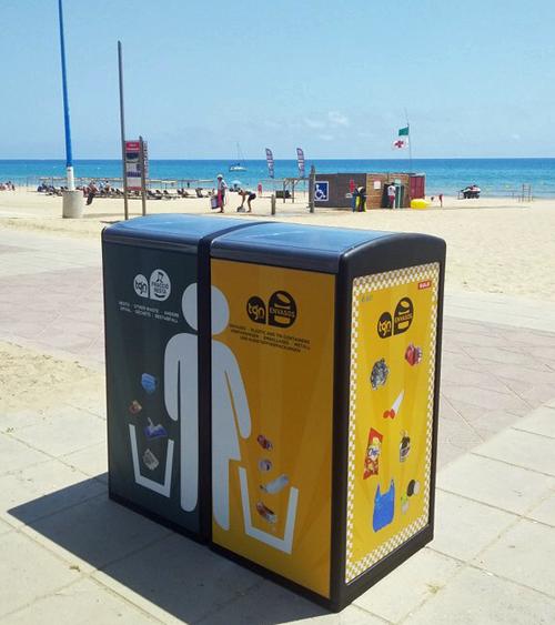 Future Street instala papeleras inteligentes en una playa de Tarragona