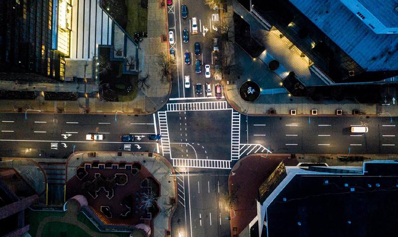 Informe de Signify: plataformas y software de IoT, fases para alcanzar una smart city