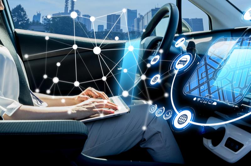 vehículo conectado y autónomo